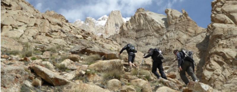 Alberto Iñurrategi, de camino a la cima del Paiju Peak un año después